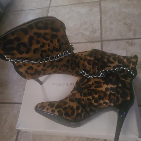 Bcbg animal boots